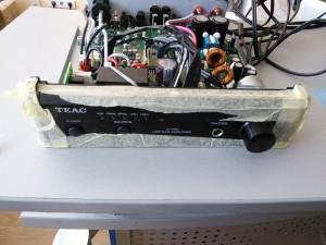 TEAC A-H01: Ремонт после перенапряжения
