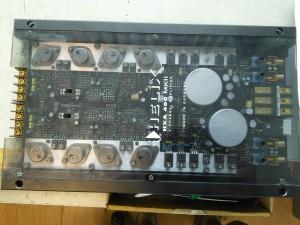 Усилитель Helix HXA 400 MK2 - не включается