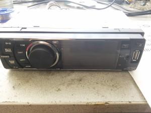 Автомагнитола Cyclon MP3010 - не светится экран, нет звука