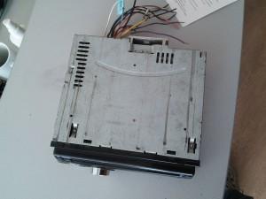 Магнитола JVC KD-R422 - пишет Protect на экране