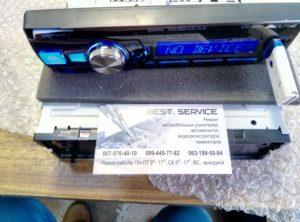 Автомагнитола Alpine UTE-92BT - выпаиваем панельку на гибком шлейфе
